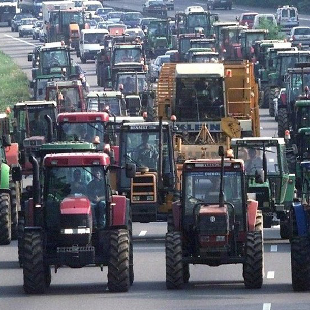 Manifestation d'agriculteurs: 7 millions d'euros de dégâts pour Vinci Autoroutes
