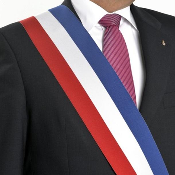 Centres-villes: l'État doit faciliter les projets des maires (Villes de France)