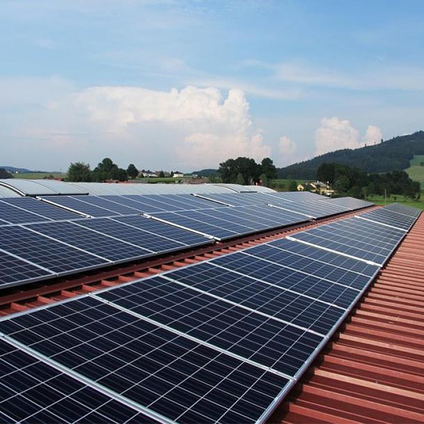 Les bâtiments classés pourront devenir producteurs d'énergie solaire (presse)