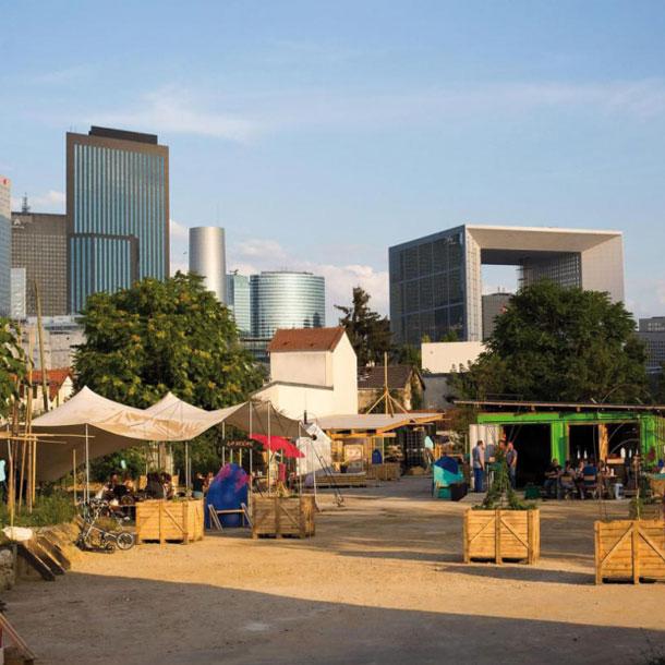 Friches, bâtiments désaffectés: en France, le privé peine à investir l'immobilier provisoire