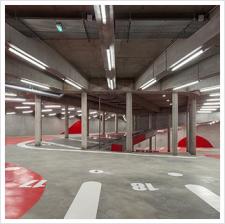 architecture-anonyme-parking-vaisseau-mère